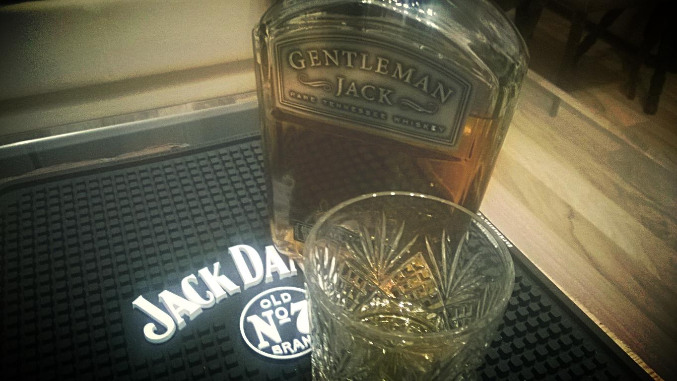 jack daniels gentleman jack whiskey tennessee bourbon