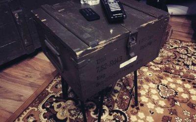 Munitionsbox wird zu Beistelltisch – UPCYCLING Projekt