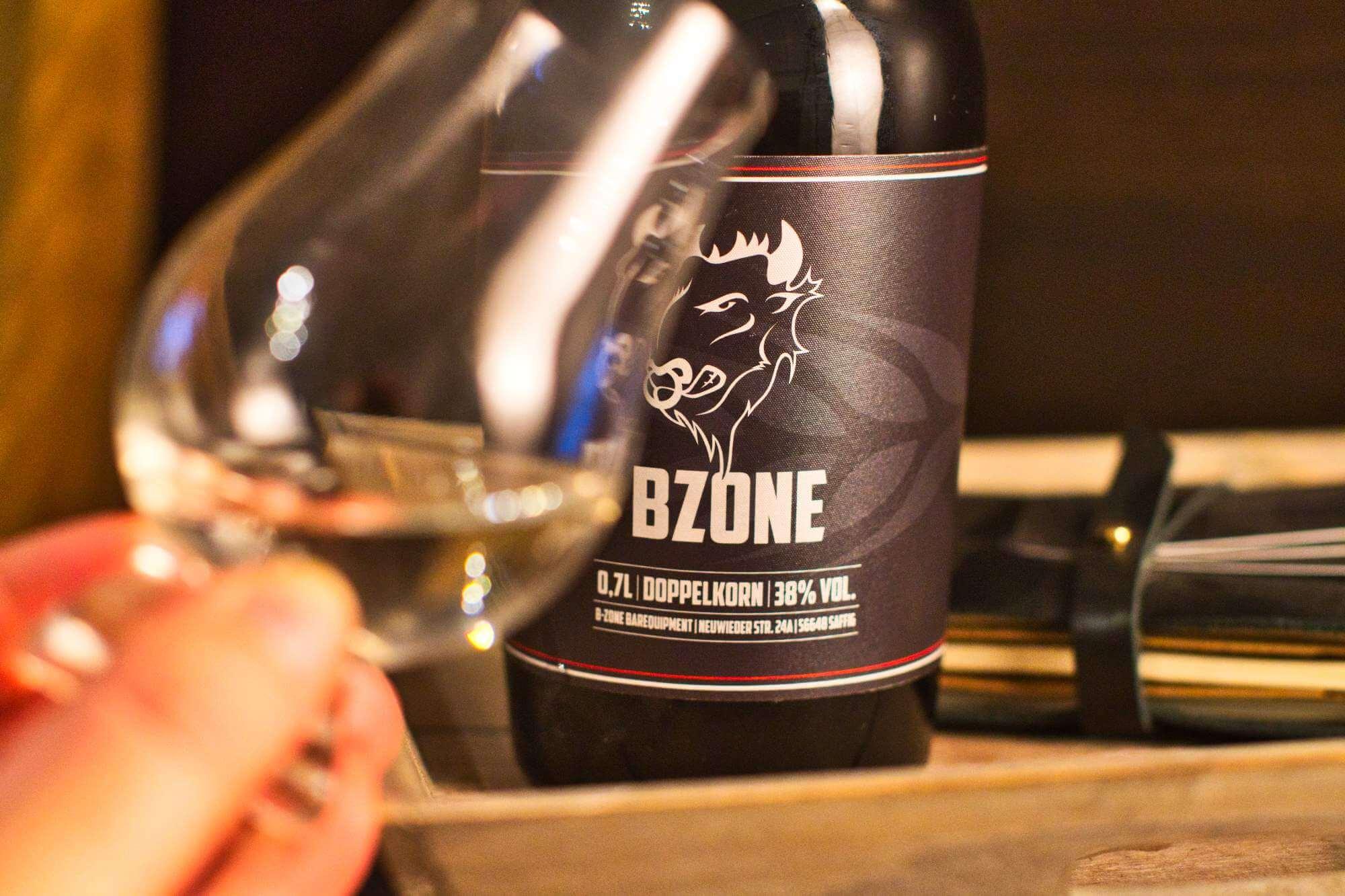 Bzone – Doppelkorn – ehrlich, lecker, direkt